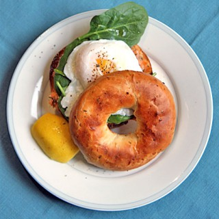 smoked_salmon_poached_egg_bagel_th
